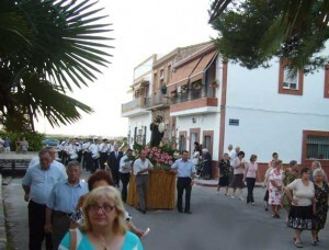 La imagen de San Benito durante la procesión