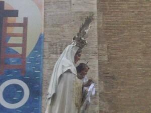 La Virgen del Carmen entra a la iglesia/vlcciudad