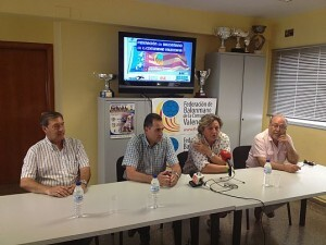 Los responsables del CEH Maritim y del Mar Valencia ayer en la Federación de Balonmano de Valencia