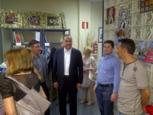 El portavoz socialista en la inauguración del nuevo local de la asociación de vecinos de Nou Moles