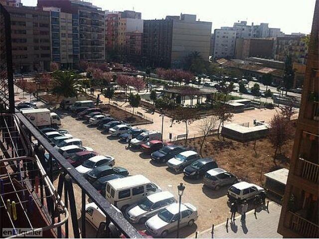 Vista aérea de la calle Mariano Ribera y del jardín