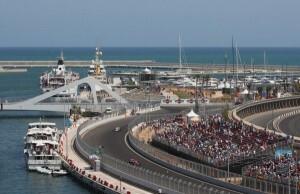 Una instantanea de la prueba en el circuito urbano de la ciudad por la Marina Real