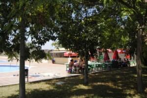 Una zona de la piscina de la pedania de Castellar
