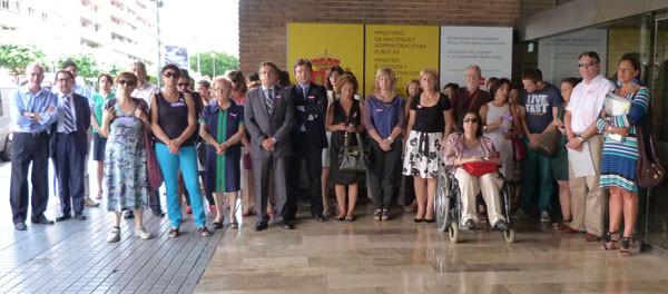 Cinco minutos de silencio por el último caso de violencia de género en Valencia