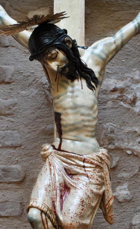 Imagen del Cristo Verdadero después de la restauración, zona central/clavarios