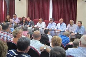 Encuentro de la Generalitat, con los consellers Johnson y Castellano, con las comisiones falleras en la JCF/nifunifallas