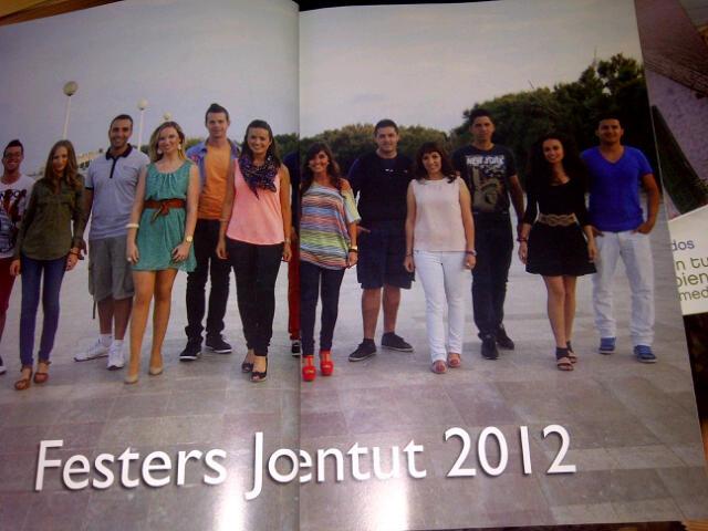 El grupo de festeros de Pinedo de 2012