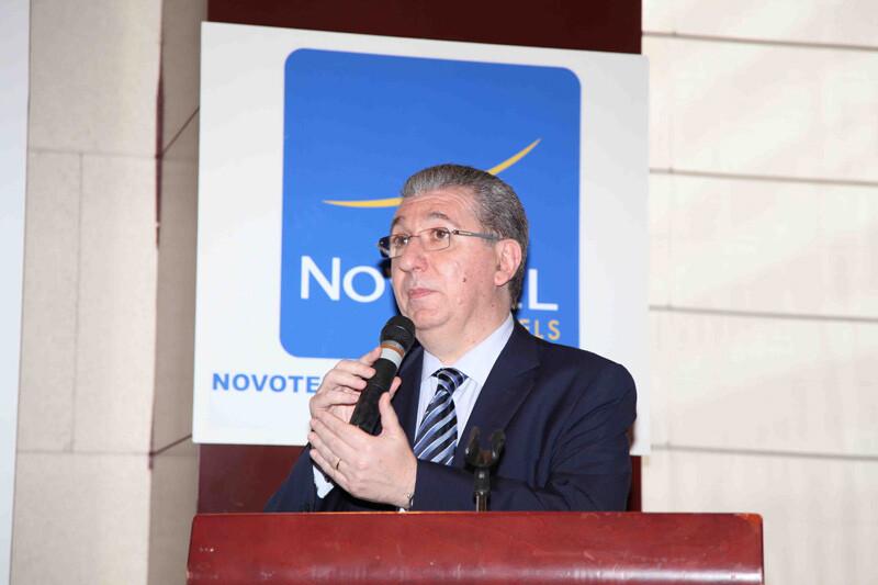 José Salinas durante el discurso de agradecimiento del premio que le otorgó VLCCiudad