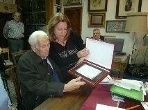 luis najarro con la presidenta de la federación, Paqui Arcos, en el homenaje del pasado mes de enero