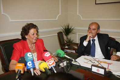 La alcaldesa Rita Barberá y el edil de Circulación Alfonso Novo