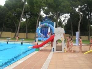 Una vista de la piscina del Parque del Oeste cerca de la avenida del Cid y Archiduque Carlos/aquaval