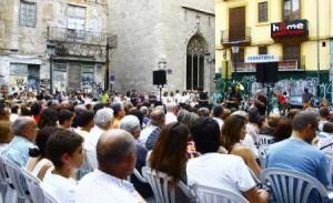 Decenas de personas acudieron a escuchar jazz de la mano de Valencia Hot Five