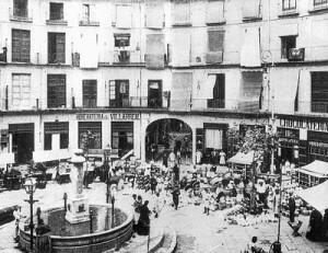 La plaza Redonda a principios del siglo XX sin cubierta.