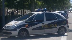 Un vehículo de la Policía Nacional en una zona del centro de Valencia