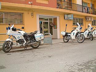 Fachada del actual retén de la Policía Local de Benicalap sito en unos bajos