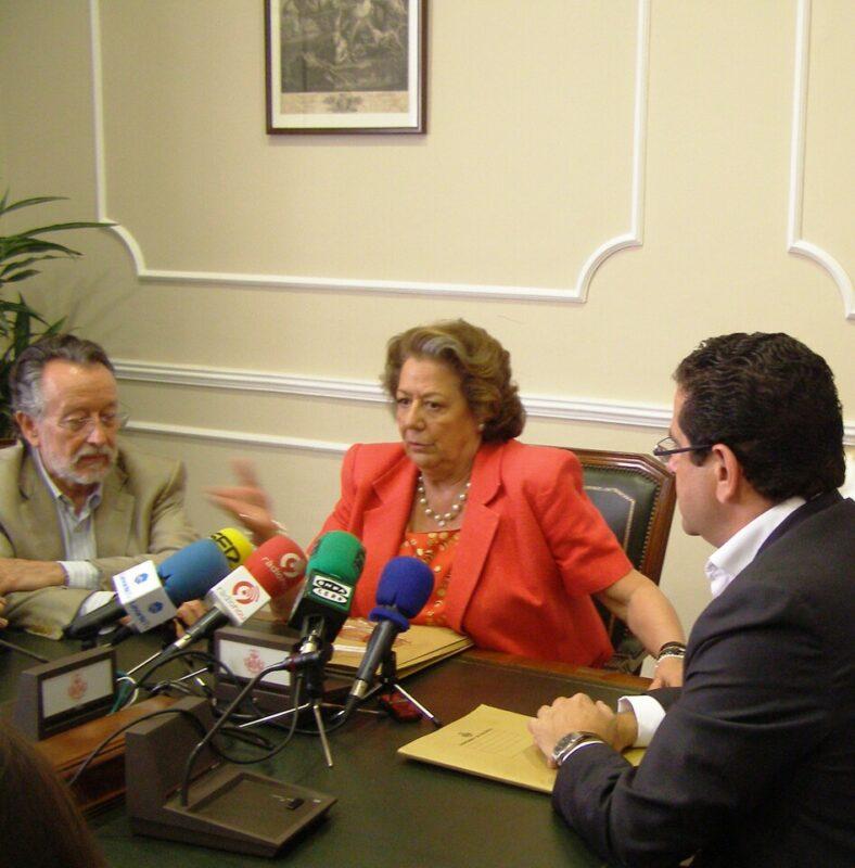 La alcaldesa durante la comparecencia de hoy entre Alfonso Grau y Jorge Bellver