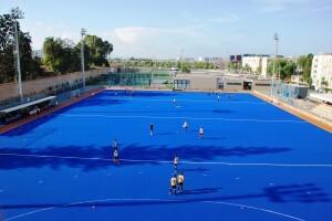 Campo de Hockey azul del polideportivo Virgen Carmen Betero