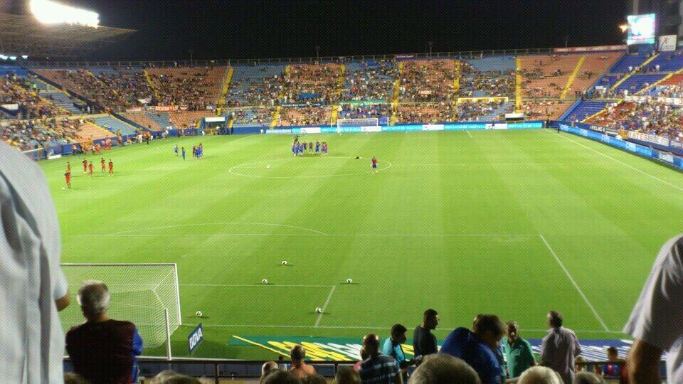 El campo del Ciutat de Valencia durante el primer encuentro de liga/j.a.m