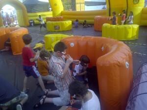 Un grupo de niños durante una de las pruebas/vlcciudad
