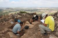 Voluntarios trabajando en uno de los proyectos del plan de excavaciones