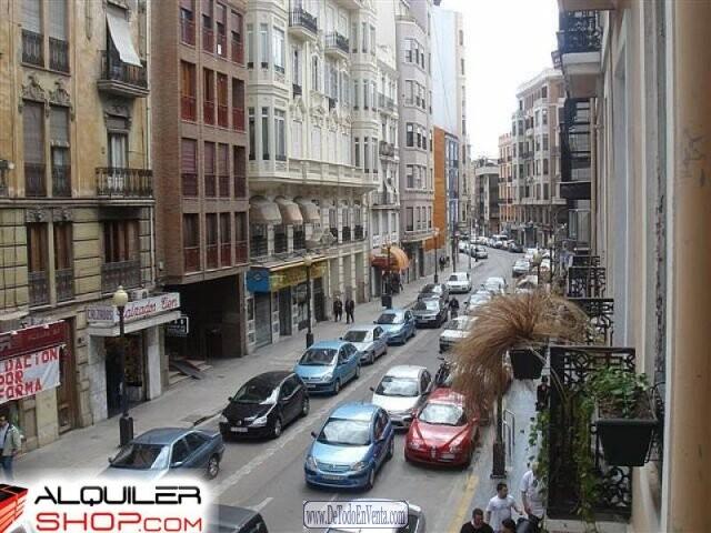 La policía inició las investigaciones en el barrio de Ruzafa hace tres días