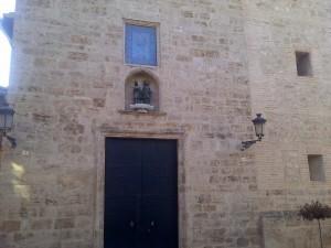 Fachada de la iglesia de Carpesa donde tienen lugar los actos religiosos y son principio y final de las procesiones/vlcciudad