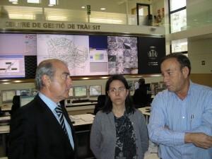 El concejal de Circulación, Alfonso Novo, la responsable de sala, Rut Montesinos y el jefe de servicio de Circulación, Juan Casañ/vlcciudad
