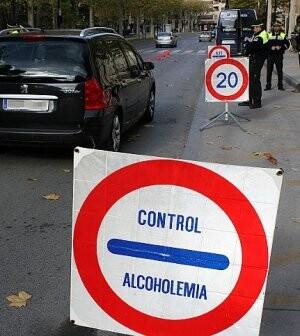 Control de alcoholemia de la Policía Local en una localidad