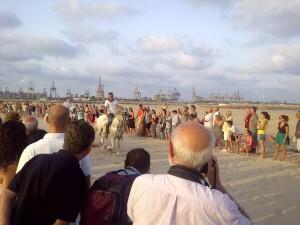 Una de las carreras que se corrió ayer en la playa de Pinedo/vlcciudad