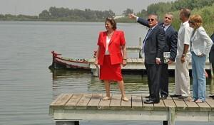 La alcaldesa Rita Barberá en la inauguración de los itinerarios peatonales hace varios años