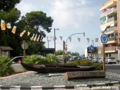 Rotonda que hay en la entrada al núcleo urbano de El Saler.