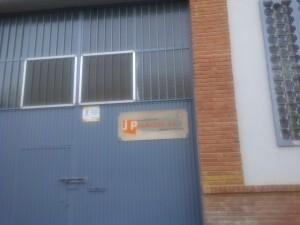 Una empresa de montaje eléctrico también ha abierto sus puertas en el barrio de artistas falleros/vlcciudad