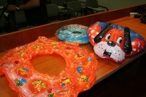Varios juguetes acuáticos