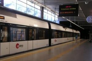 Una unidad de la línea 5 del metro