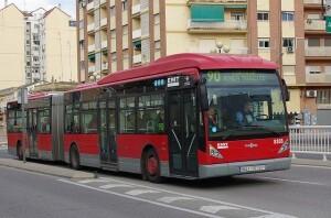 Un autobús de la línea 90 que conducía el conductor expedientado/vlcciudad