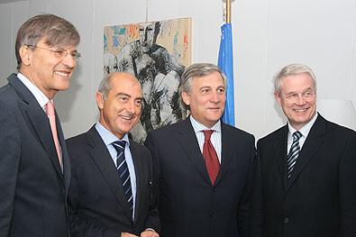 El concejal Alfonso Novo con los representantes de Colonia y Budapest y el vicepresidente de la comisión de la UE de Transportes, Tajani, hace tres años/ayto valencia