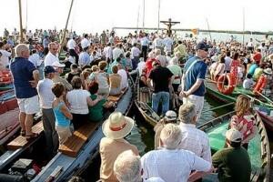 Miles de devotos y turistas participarán en la romería mañana por la tarde/eos