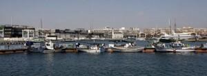 Embarcaciones pesqueras en el muelle de poniente del puerto de Valencia/360grados-marga ferrer