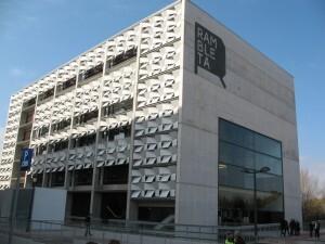 Edificio del Espai Rambleta donde se abrirá el nuevo centro de formación/aavv. san marcelino