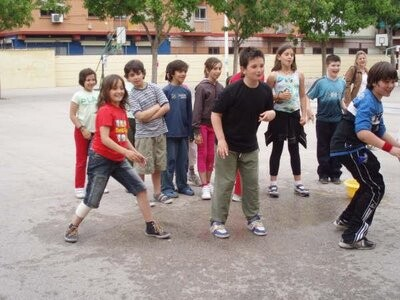 Un grupo de alumnos del colegio Santiago Grisolia en unas actividades/ampasantiagogrisolia