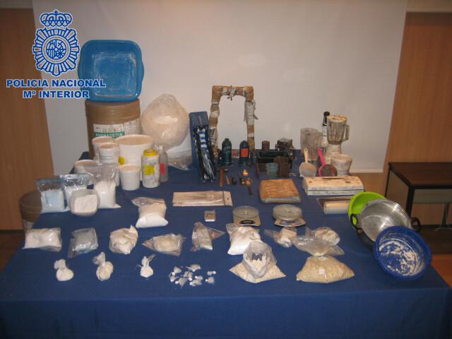 Detalle de los objetos y droga incautada/cnp