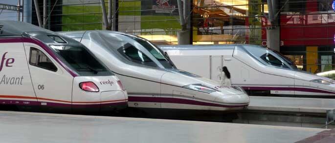 Trenes AVE en Valencia/Renfe