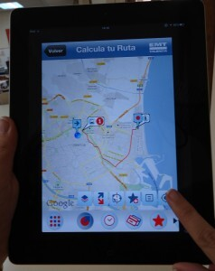 Móvil con la aplicación para conocer la ruta/emt