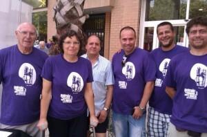 Directivos de la AA.VV de Patraix con las camisetas pro-Lorca/aa.vv. patraix
