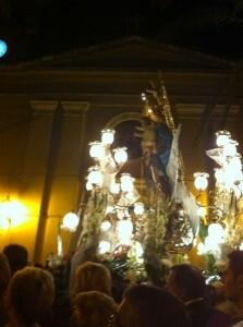 La imagen de la Virgen al terminar la procesión/r.