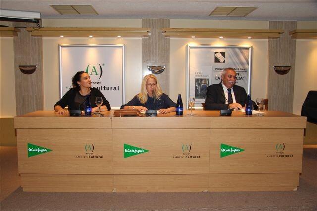Paqui Tejero Ramos presentó su libro 'Ecos en la distancia' en la sala de Ámbito Cultural de El Corte Inglés Colón de Valencia