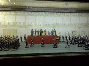Los Reyes de España presiden un desfile/vlcciudad