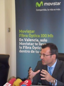 Javier-Castro-desayuno-20120925-225x300