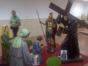 El paso en el salón parroquial de la iglesia de los Ángeles se expone toda la semana/vlcciudad