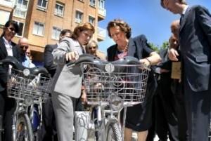 La alcaldesa, Rita Barberá, en la presentación de Valenbisi que ha optado como proyecto finalista